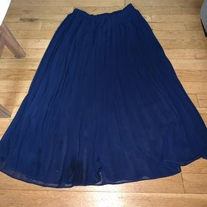 Uniqlo blue pleated skirt